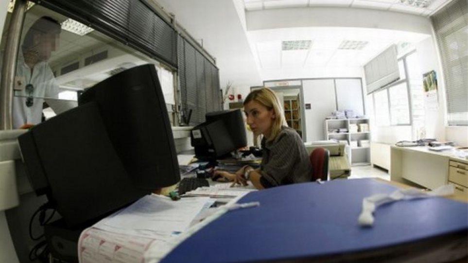 «Τρέχουν» για τα έσοδα: Ζητούν νωρίτερα τα στοιχεία για τις συναλλαγές των φορολογουμένων