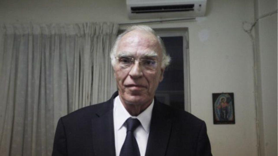 Λεβέντης: Ο Τσίπρας κάνει ότι διαπραγματεύεται και στο τέλος αμαχητί παραδίδεται