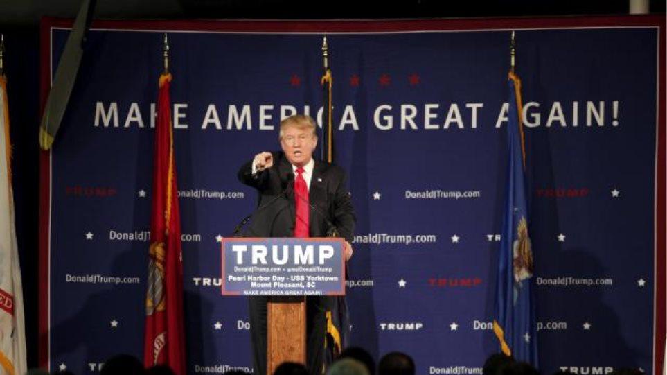 Ο Τραμπ επιμένει στο μπλόκο στους μουσουλμάνους - Φύρερ τον χαρακτηρίζουν αμερικανικά ΜΜΕ