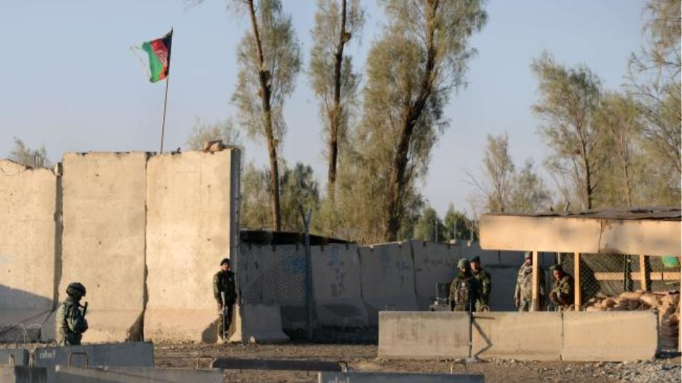 Αφγανιστάν: Δεκάδες νεκροί από επίθεση Ταλιμπάν στο αεροδρόμιο της Κανταχάρ