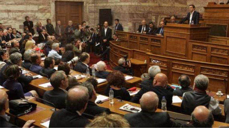 «Μασάζ» Τσίπρα στους βουλευτές ΣΥΡΙΖΑ από την περιφέρεια