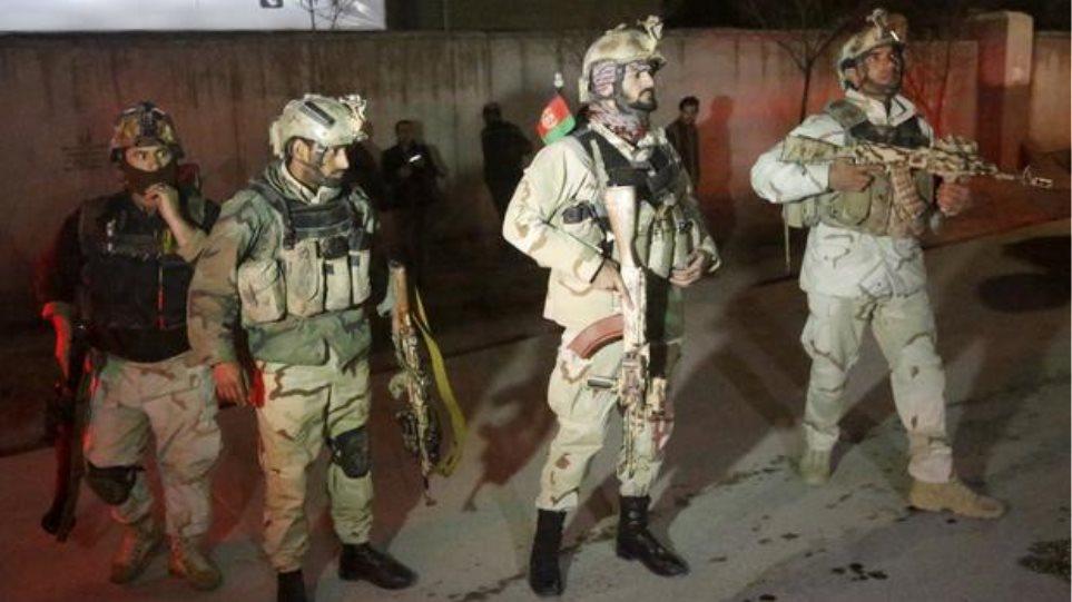 Αφγανιστάν: Νεκρός και δεύτερος αστυνομικός στην επίθεση των Ταλιμπάν στην ισπανική πρεσβεία