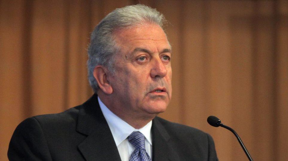 Αβραμόπουλος: Δεν γίνεται αναδιανομή προσφύγων αν οι άλλες χώρες δεν προσφέρουν θέσεις