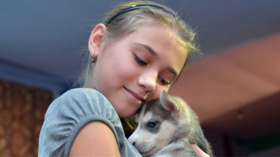 Ρωσία: Ένα κουτάβι το πρωτοχρονιάτικο δώρο του προέδρου Πούτιν σε 12χρονη