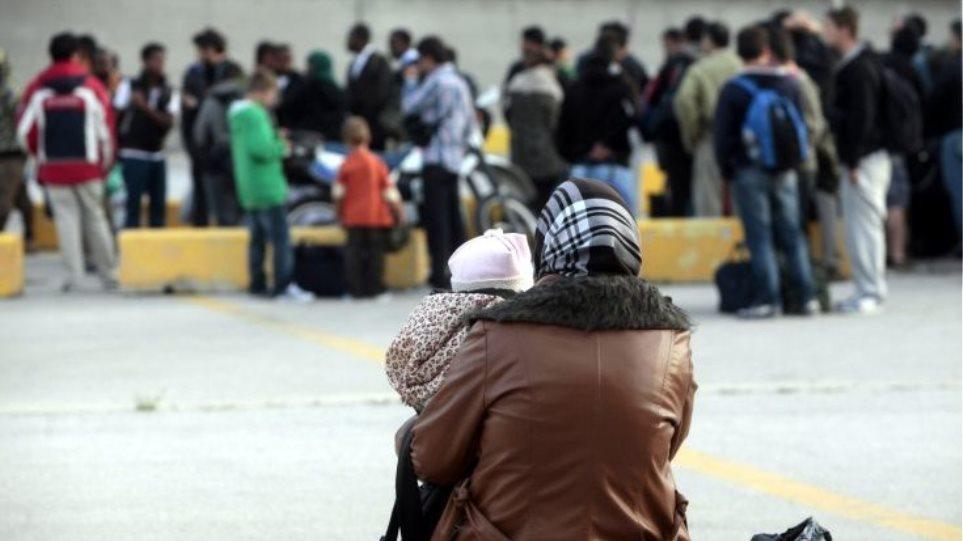 Ακόμη 1.500 πρόσφυγες στο λιμάνι του Πειραιά