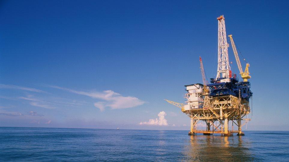 «Φρένο» στο πτωτικό σερί του πετρελαίου μετά από εφτά ημέρες