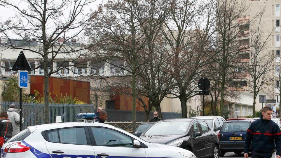 Παρίσι: Δάσκαλος έβγαλε από το μυαλό του επίθεση από τζιχαντιστή!