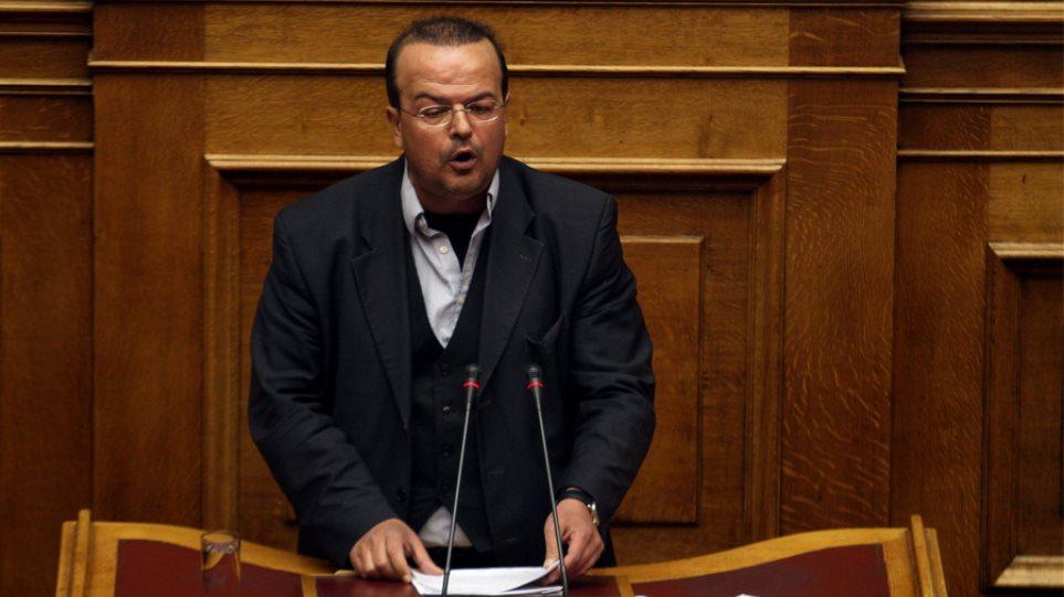 Δίδακτρα στα δημόσια σχολεία προτείνει βουλευτής του ΣΥΡΙΖΑ!