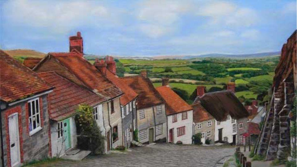 Gold Hill: Αυτός είναι ο πιο διάσημος πλακόστρωτος δρόμος της αγγλικής επαρχίας