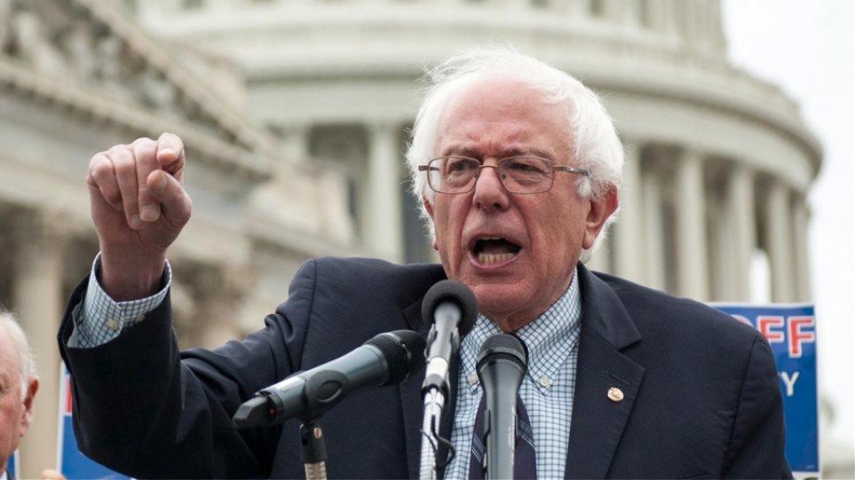 Δείτε πως αντίδρασε ο Bernie Sanders όταν οπαδός του λιποθύμησε σε ομιλία του