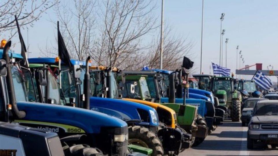 Άνοιξαν τον Μπράλο οι αγρότες για να μην συμπλακούν με οδηγούς