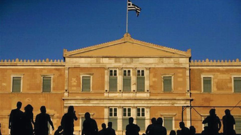 To Stratfor προβλέπει: Εφιαλτικός θα είναι ο Μάιος για την Ελλάδα
