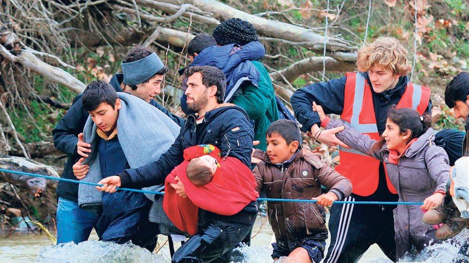 Ο άγνωστος πόλεμος των ΜΚΟ - Έφερναν και πρόσφυγες στα νησιά