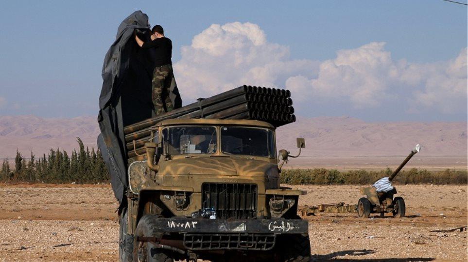 Ο στρατός της Συρίας ανακτά τον έλεγχο της Παλμύρας