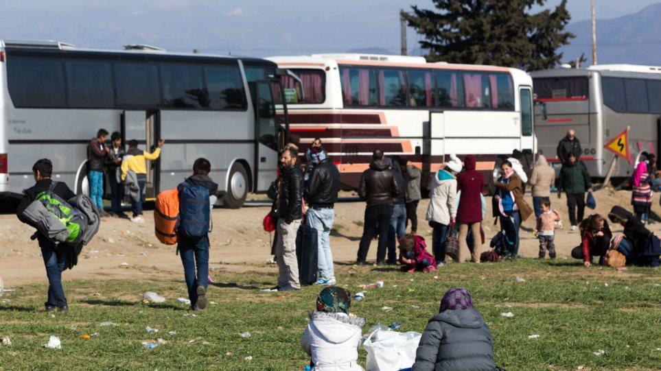 Πρόσφυγας στην Ειδομένη: Θα δεχόμουν να αποχωρήσω, αν η ελληνική κυβέρνηση μας έδινε ένα σπίτι να μείνουμε
