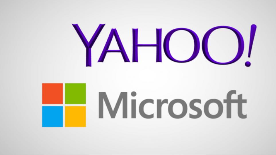 «Φλερτάρει» με εξαγορά της Yahoo η Microsoft