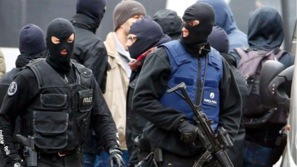 Βρυξέλλες: Ανάμεσα στους 31 νεκρούς είναι και οι 3 βομβιστές