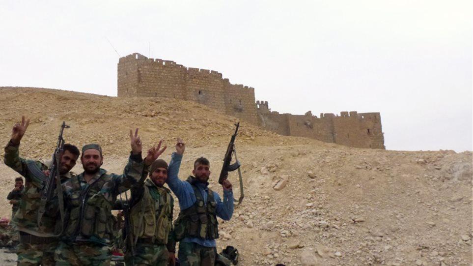 Βίντεο: Οι δυνάμεις του Άσαντ στην Παλμύρα