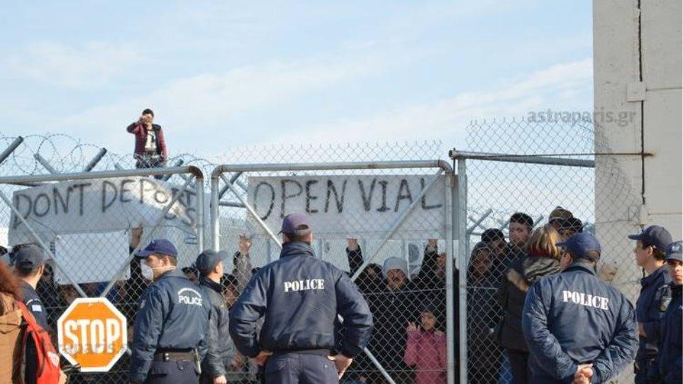 Τόσκας: Μελετάμε την μεταφορά προσφύγων και μεταναστών σε γειτονικά, άδεια νησιά