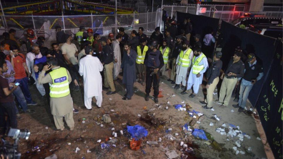Πακιστάν: Με βόμβα 20 κιλών σκότωσαν 71 Χριστιανούς στη Λαχώρη