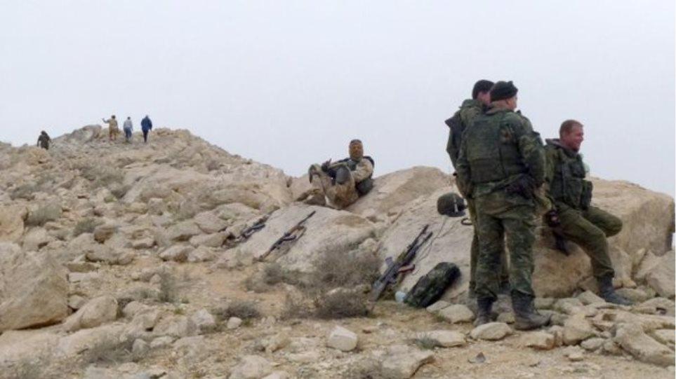 Παλμύρα: Ρωσικές μονάδες «καθαρίζουν» την περιοχή από τις νάρκες