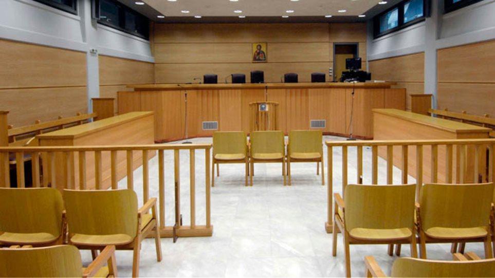 Παράταση της αποχής έως τις 15 Απριλίου οι δικηγόροι