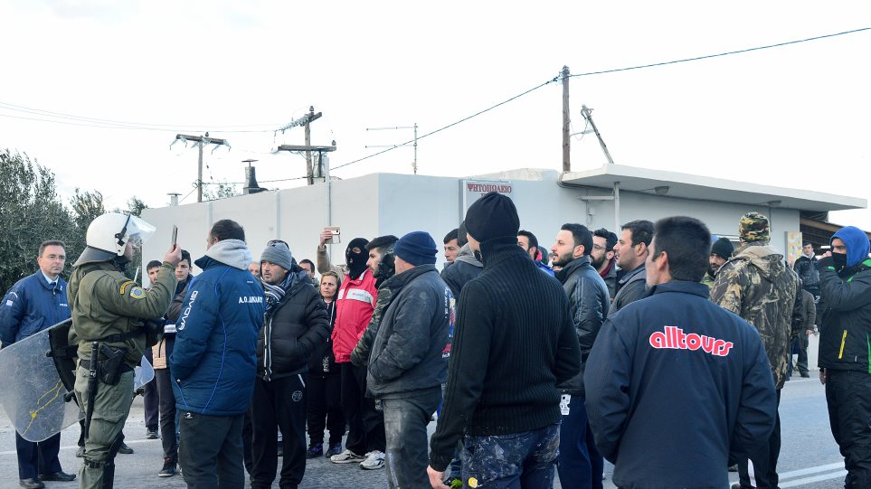Εμπόριο ελπίδας στην Ειδομένη -Ερμητικά κλειστά τα σύνορα