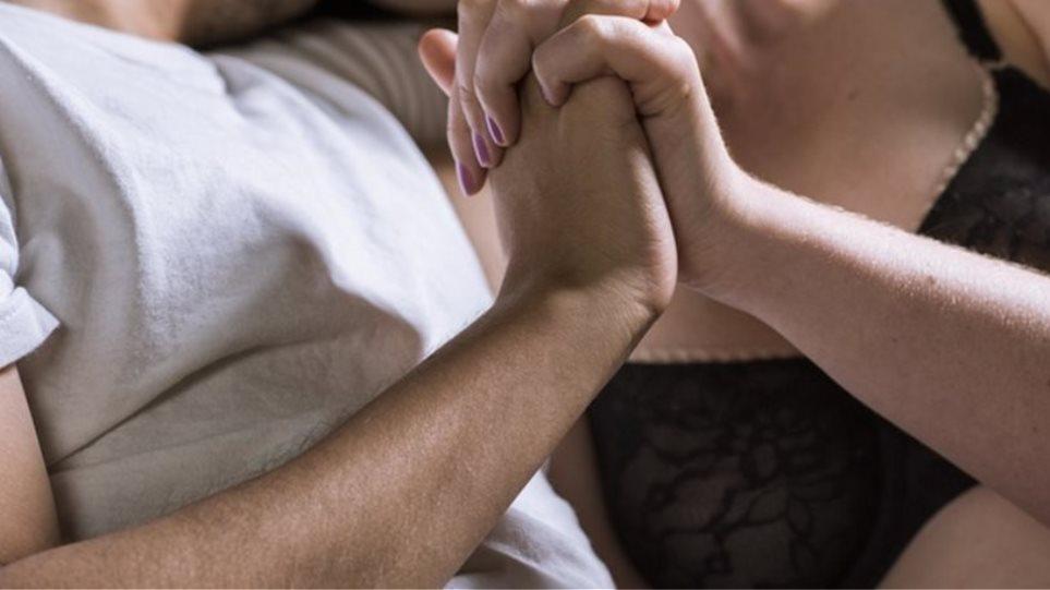 Ιαπωνικό σύζυγος μαμά σεξ
