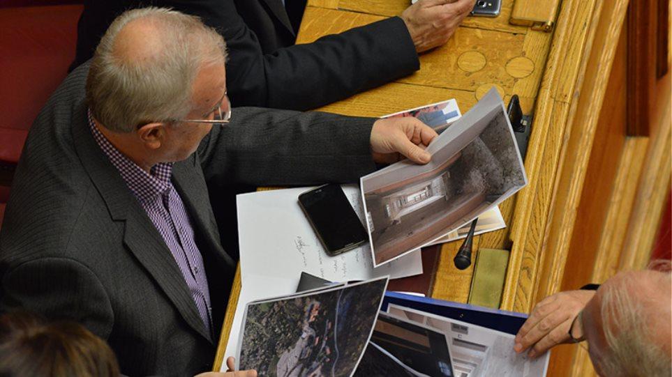 Ο Βίτσας δείχνει τα hot spot σε Σκουρλέτη, Αποστόλου και Μπαλαούρα