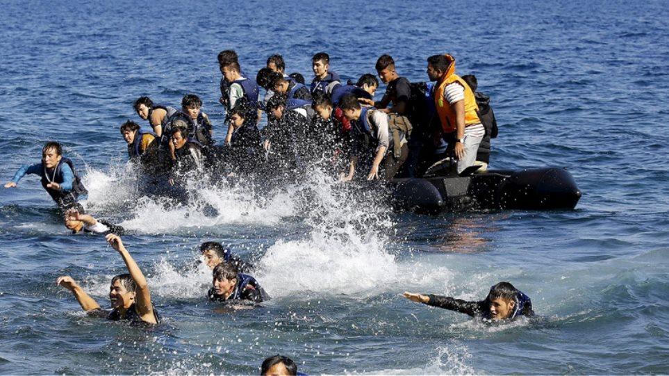 Μετανάστες: Αυξάνονται και πάλι οι ροές στα νησιά