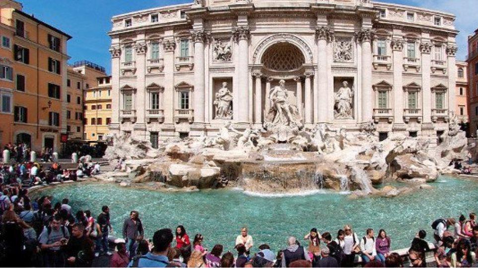 Σε Ρώμη και Κέρκυρα θα αποδράσουν οι Έλληνες το Πάσχα