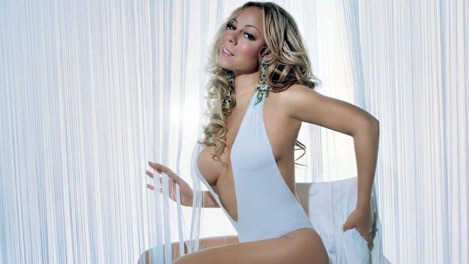 Mariah Carey: Με κορμάκι και μελαχρινή περούκα «ταράζει» το Instagram