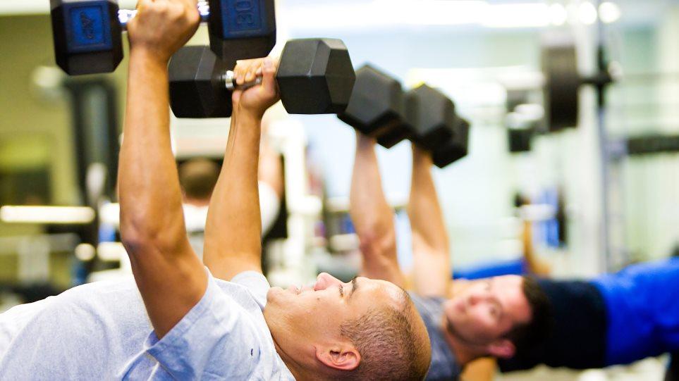 Πώς το γυμναστήριο καραφλιάζει τους άντρες
