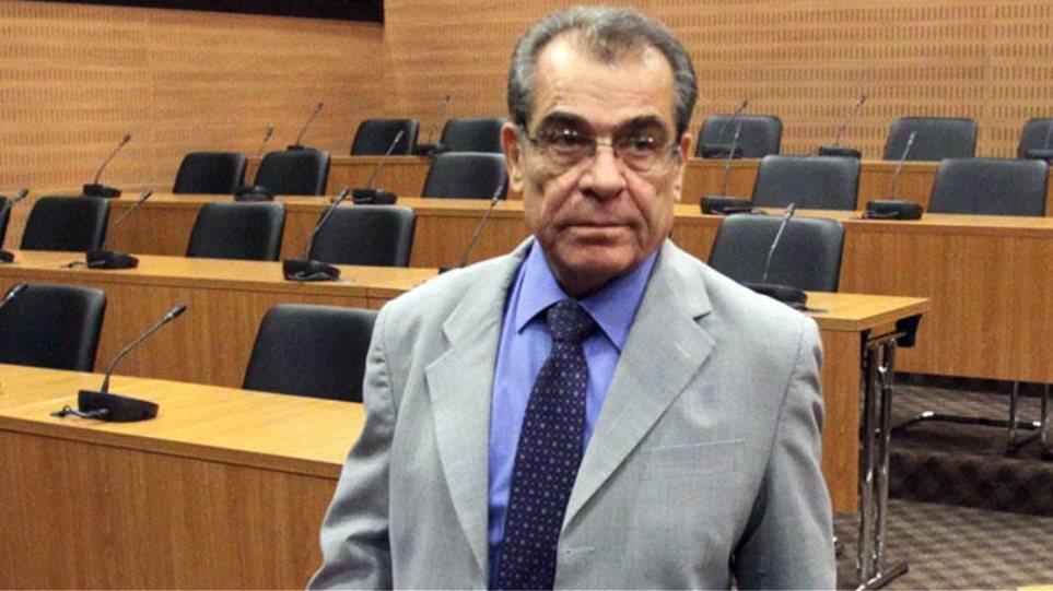 Έλληνες επιχειρηματίες κατηγορούνται για δωροδοκία του πρώην διοικητή της Κεντρικής Τράπεζας Κύπρου