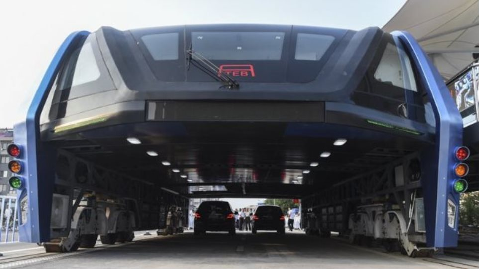 Τεχνολογικό θαύμα: Αυτά είναι τα νέα φουτουριστικά λεωφορεία της Κίνας!