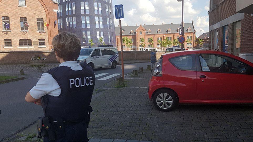 Βέλγιο: Φωνάζοντας «Αλλάχου Άκμπαρ» μαχαίρωσε δύο γυναίκες αστυνομικούς με ματσέτα!