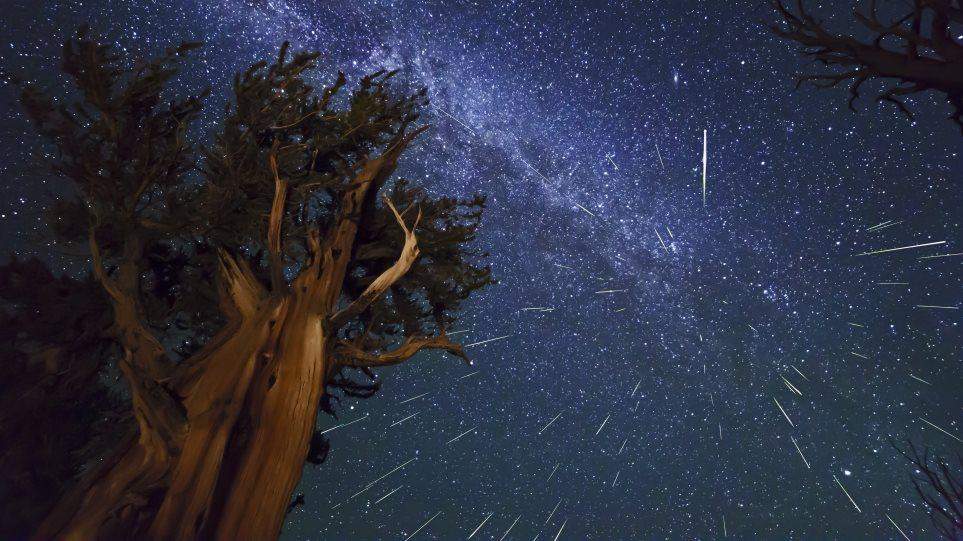 Υπερθέαμα με πεφταστέρια  Δείτε την εντυπωσιακή «βροχή των Περσείδων»! 07f67a2c5ea