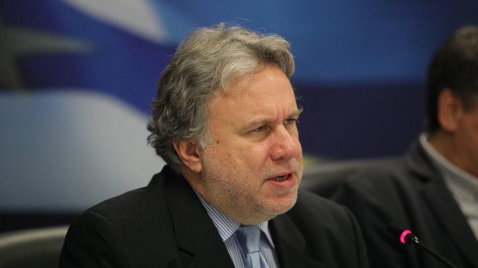 Κυνικός Κατρούγκαλος: Αν δεν δίναμε 384 ευρώ δεν θα παίρνατε ποτέ συντάξεις
