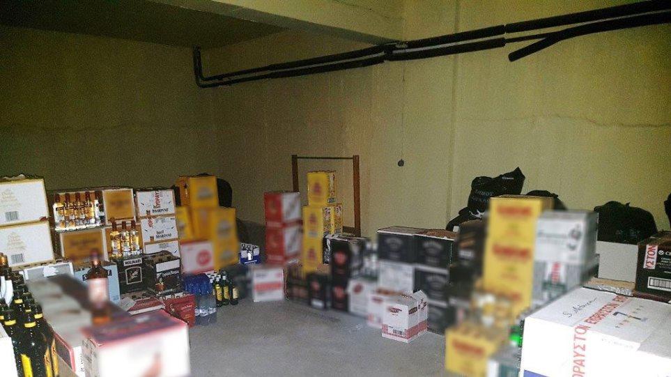 Συνελήφθη 26χρονος για πάνω από 4.500 παράνομες φιάλες ποτών