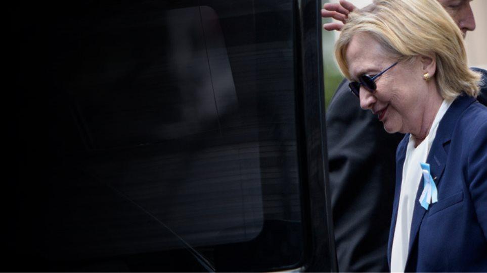 Η κλονισμένη υγεία της Χίλαρι ανακατεύει την προεκλογική τράπουλα