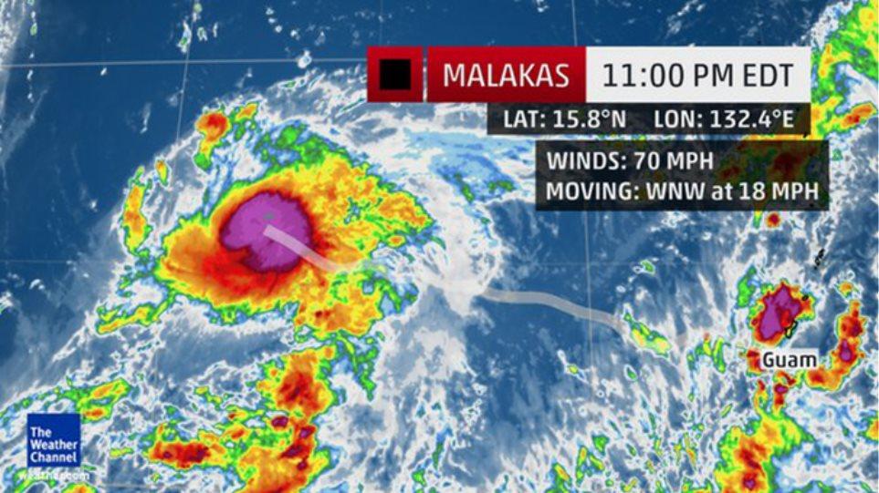 Ο τυφώνας #malakas «σάρωσε» και τα social media