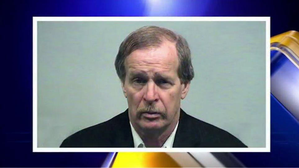 ΗΠΑ: Πρώην δήμαρχος είπε στο δικαστήριο ότι κακοποιούσε 4χρονη με τη θέλησή της!