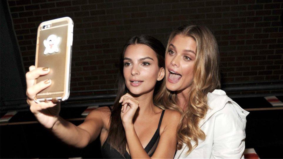 Η Emily Ratajkowski και η Nina Agdal στέλνουν selfie στον DiCaprio