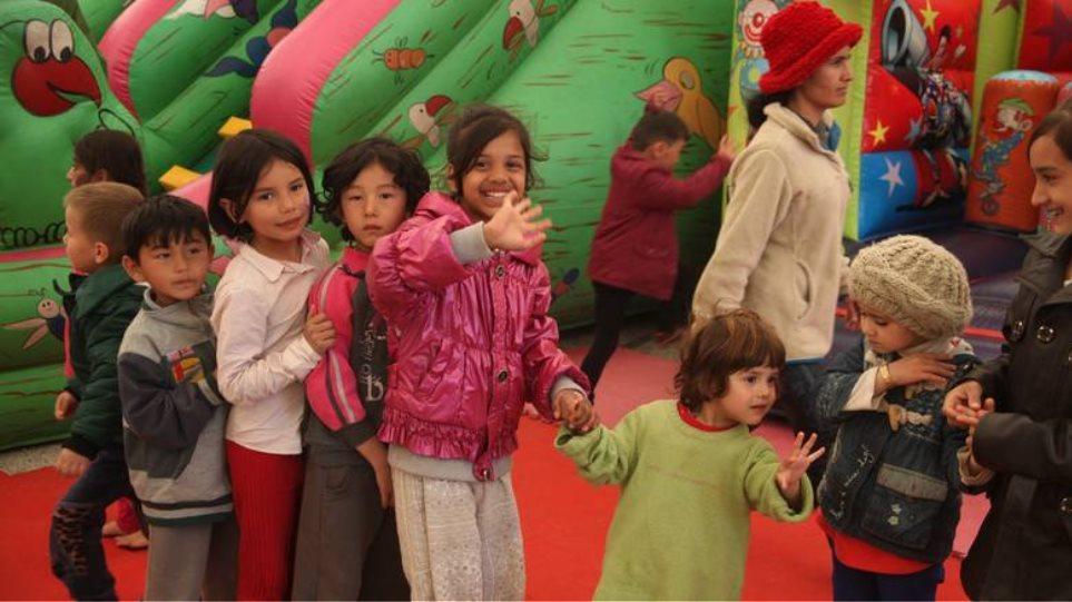 Ωραιόκαστρο: Η μητέρα που είπε «όχι» στην απόφαση του Συλλόγου Γονέων για τα προσφυγόπουλα