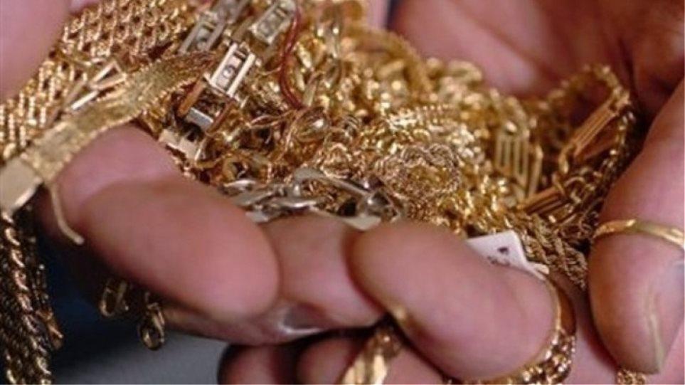 Ισπανοί ξάφρισαν χρυσαφικά στη Μύκονο