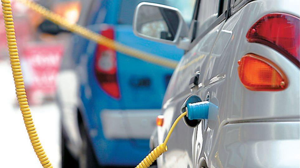 Η Περιφέρεια Αττικής σχεδιάζει εγκατάσταση σταθμών φόρτισης ηλεκτρικών οχημάτων