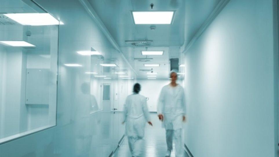 Τα νοσοκομεία «αιμορραγούν» και το υπ. Υγείας μοιράζει 20 εκατ. ευρώ σε ΜΚΟ