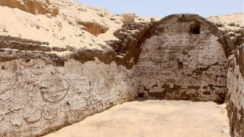 Μυστηριώδη ιερογλυφικά 4.000 χρόνων κοντά στον τάφο του Φαραώ Σέσωστρις ΙΙΙ