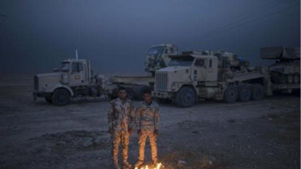 Ιράκ: Ο καπνός των τζιχαντιστών και ο καιρός διέκοψαν την επέλαση στη Μοσούλη