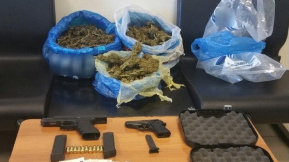Κρήτη: Συνέλαβαν 38χρονο που έκρυβε στην επιχείρηση του πάνω από δύο κιλά κάνναβης